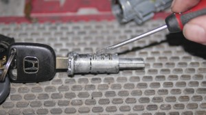 Mr Locksmith-Auto 03 Honda ignition cylinder note the wafers sticking up