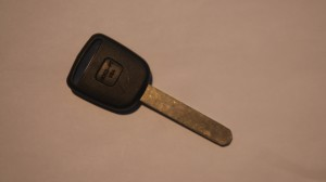 Mr. Locksmith-Auto 01 An example of a Honda Laser cut/Sidewinder key